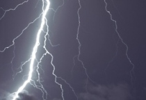 lightning_south_annarbor-thumb-590x393-44841