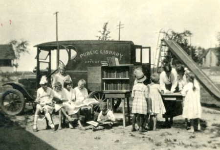 Libraries-on-wheels-Bookmobile-12-540x368